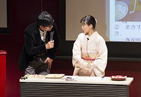 中澤氏による太巻き祭り寿司(ずし)のデモンストレーション